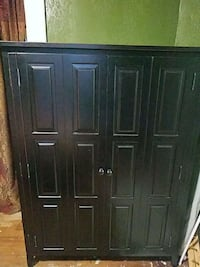 Armoire wooden for clothes or TV Little Rock, 72205