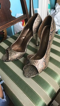 Black-and-brown snakeskin leather open-toe heeled shoes Remington, 22734