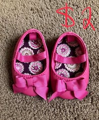 pair of pink floral mary jane shoes Bakersfield, 93308