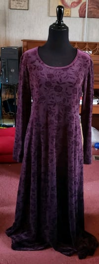 women's wine long-sleeved dress Fredericksburg, 17026