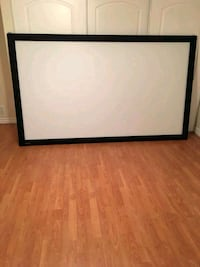 "Epson projector with 106"" screen Casselman, K0A 1M0"