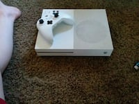 white Xbox One console with controller Buchanan, 49107