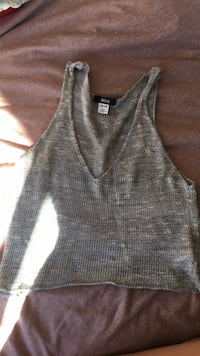 Urban outfitters cropped top  New Westminster, V3M 3P8