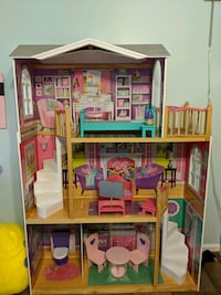 Doll house for 18 inch dolls Smithsburg, 21783