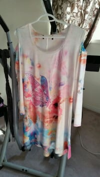 white and pink floral scoop-neck sleeveless top Maple, L6A