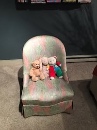 Colorful children's cloth chair. High quality. Perfect condition Saint-Laurent