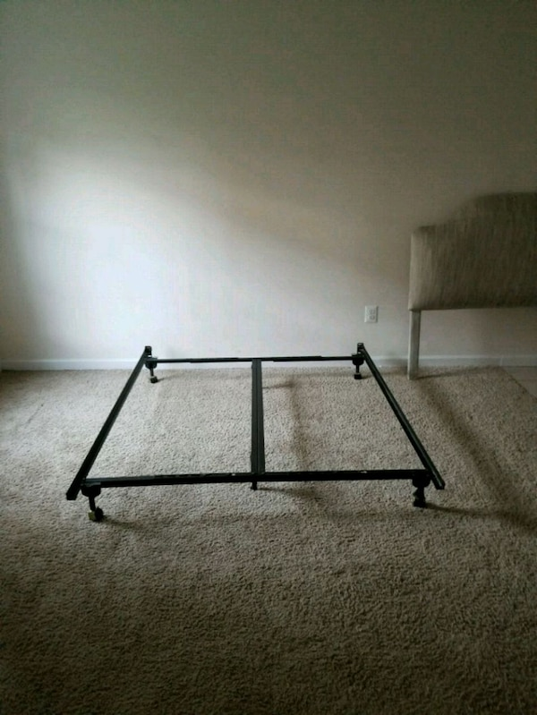 Metal bed frame