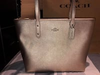 F16224 - Coach City Zip Tote in Crossgrain Leather  Markham, L3P