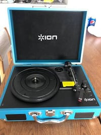 ION Portable Turntable
