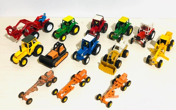 Farm Machine Die Cast Metal Cars In 1/43 Scale! By different makers bd4e0ef8-1c26-4cbb-9c50-42a0babe7f7d