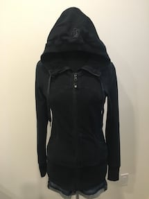Lululemon black zip up size 4