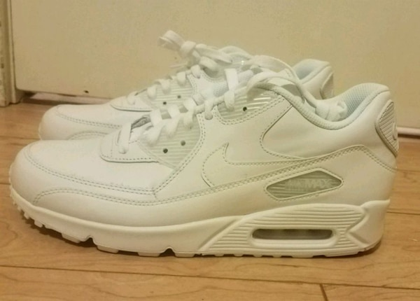 Used Price Negotiable!! White Nike Air Max 90 Sneakers for