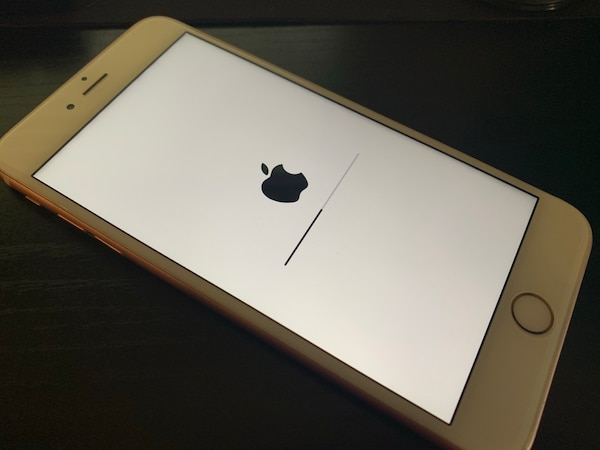 UNLOCKED iPhone 6s Plus 64gb great condition. rose gold d0af1887-d8e6-42d8-b0d1-b24f0907a080