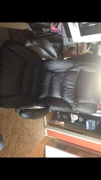 black leather padded rolling armchair Lincoln, 95648