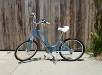 Electra Townie 21 light blue women's bike  Long Beach