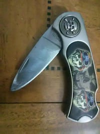 Skull pocket knife Lansing, 48910