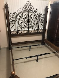 Queen bed with metal decorations Miami Lakes