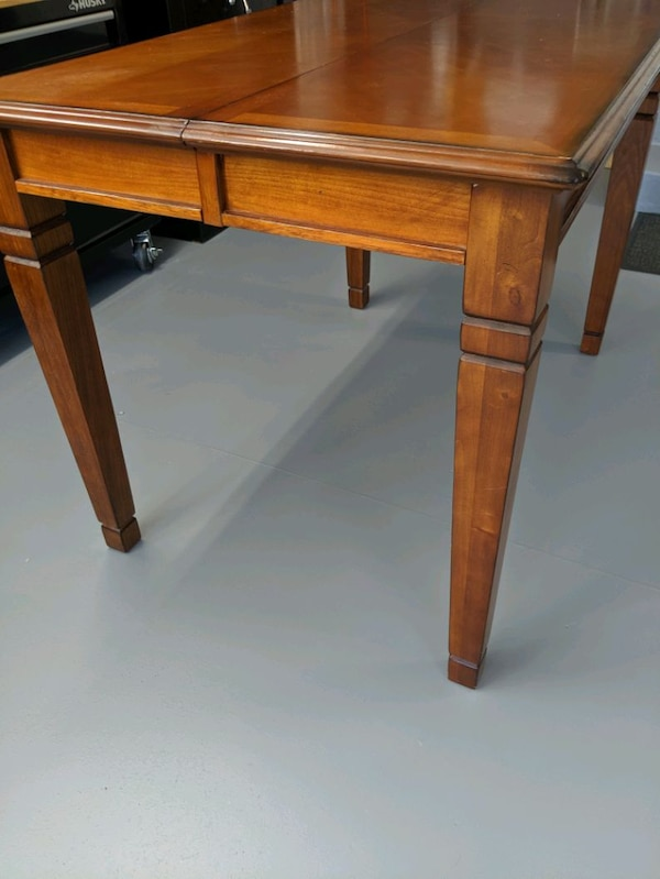 Pub Dinning Table. f0838be5-2c80-45a6-a4ea-39d067bf336c