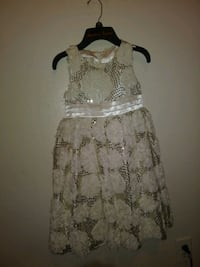 Little girl dress size 6  San Antonio, 78222