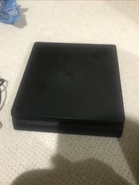 PS4 Slim 500gb with charger, 2 handles and bag (great condition) Toronto, M2J 2X1