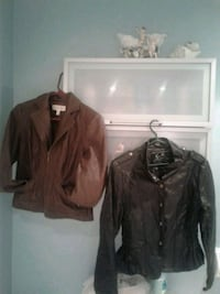Brown faux leather size 2 petite...black size s  Montreal, H8N 2S5