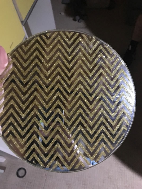 used round gold chevron print mirror for sale in stirling letgo