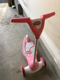 Pink and white radio flyer kick scooter Aldie, 20105