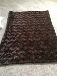 THROW black /brown 5ft x4ft.  Very very soft faux fur . Never used. $ 18.  London, N6B