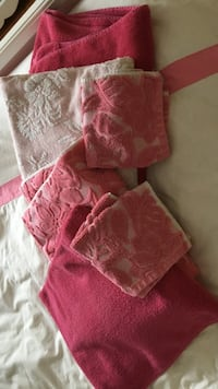 red and white fleece towels Perinton, 14450
