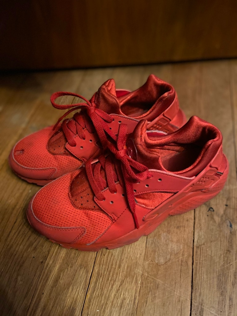 Photo All red Nike huaraches