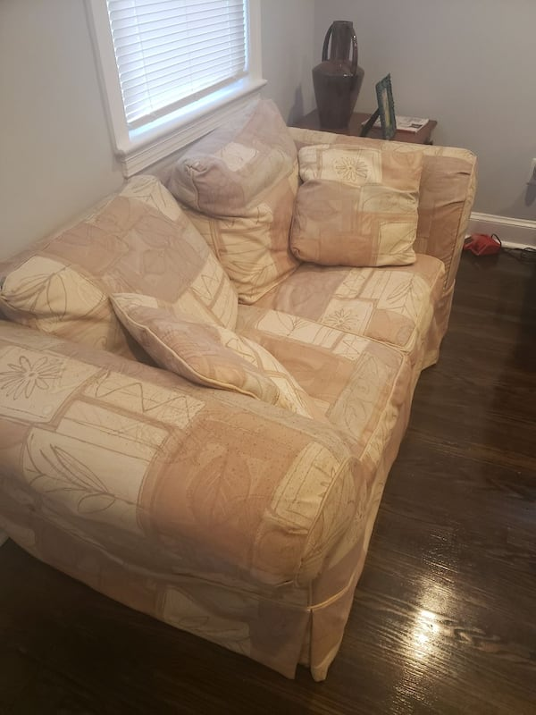 Queen sleeper sofa and matching loveseat; 1