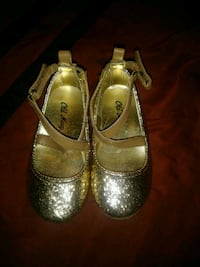 Glitter flats almost new size 6c  Los Angeles, 90003