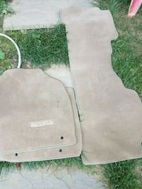 gray and white car mat