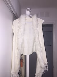 White lace sleeveless top with synthetic hair Toronto, M4G 4J7