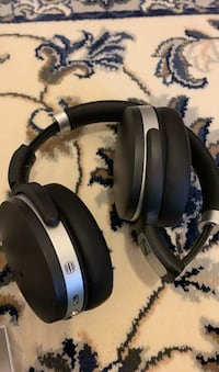 Barely used sounds great looks like new new amazon 140 dollars Fairfax, 22033