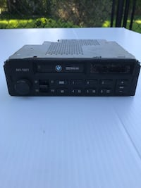 Old School BMW Car Stereo Grimsby, L3M 1N6
