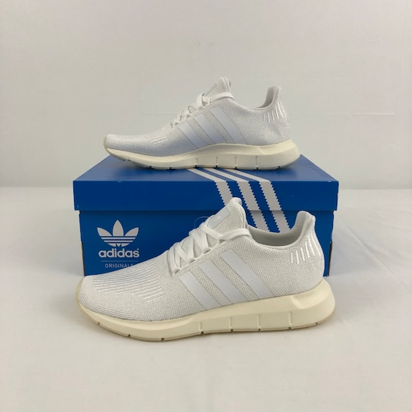 9058071ca4ee1 Used Adidas Swift Run W Sparkle Women s Size 7   7.5 D96647 for sale in  Coram - letgo