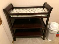 Changing table with pad 4 sheets and diaper pail