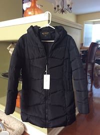 Women's black puffer winter coat. Brand new with tags. Size small  Milton, L9T 6H6