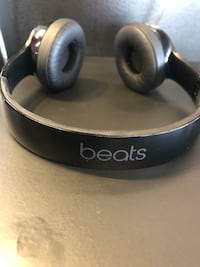 Like New (Black) Solo3 Headphones