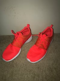 pair of red Nike low-top sneakers Baltimore, 21220