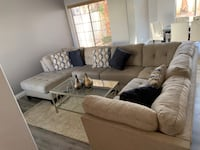 Beautiful Living Room Set. Includes pillows, rug, table, art on table. Henderson, 89014