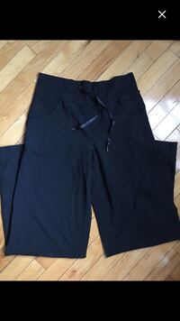 Lululemon size 4, can fit bigger  Calgary, T1Y 1H7