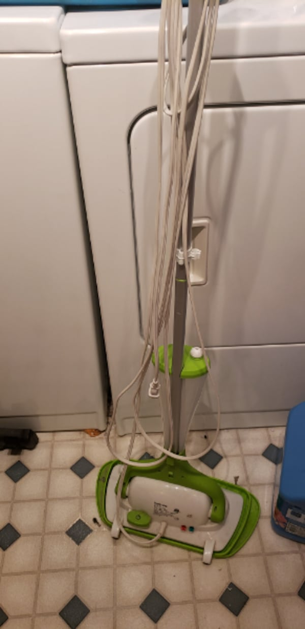 Steam mop . 1