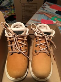 Timberland toddler size 6 boots (like new) only worn inside house twice Toronto, M8W 4P3