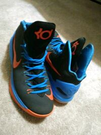 blue-and-red Nike basketball shoes High Point, 27263