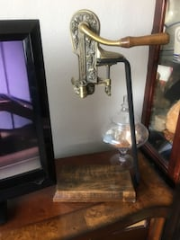 Wine Bottle Opener Corkscrew Estate. Barely used in excellent condition. Bakersfield, 93309