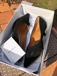 Givenchy Womans Pump shoe NEW never worn US 5.5 B San Diego, 92129