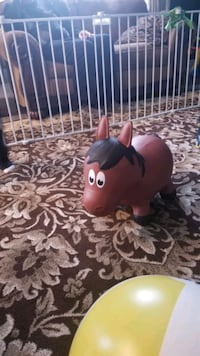 Horse bounce toy