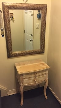 Vintage mirror and table for sale Hamilton, L9C